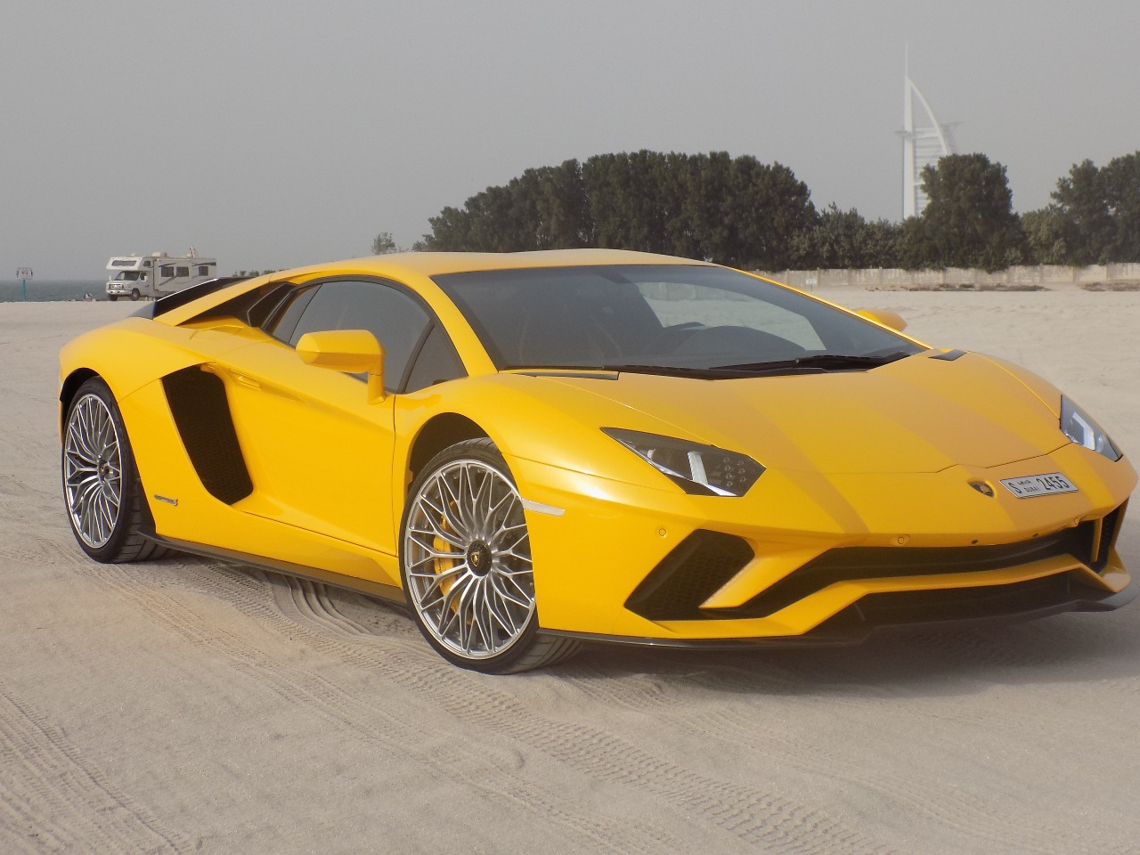 Carhire24 Luxury Car Rental Dubai